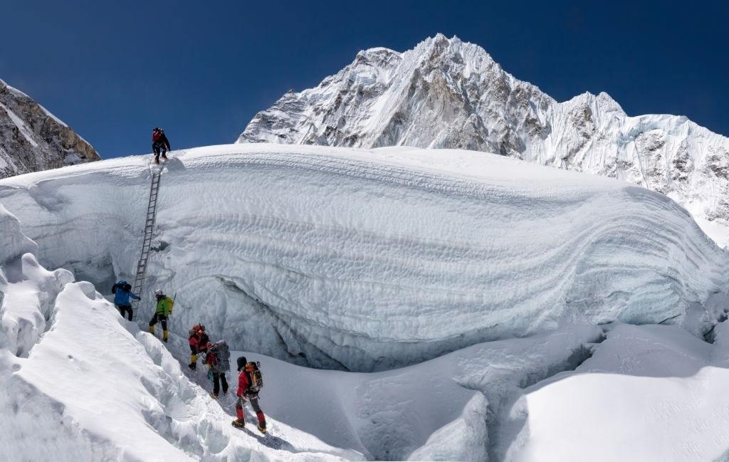 10 Best Tips for Climbing Mount Everest in 2021